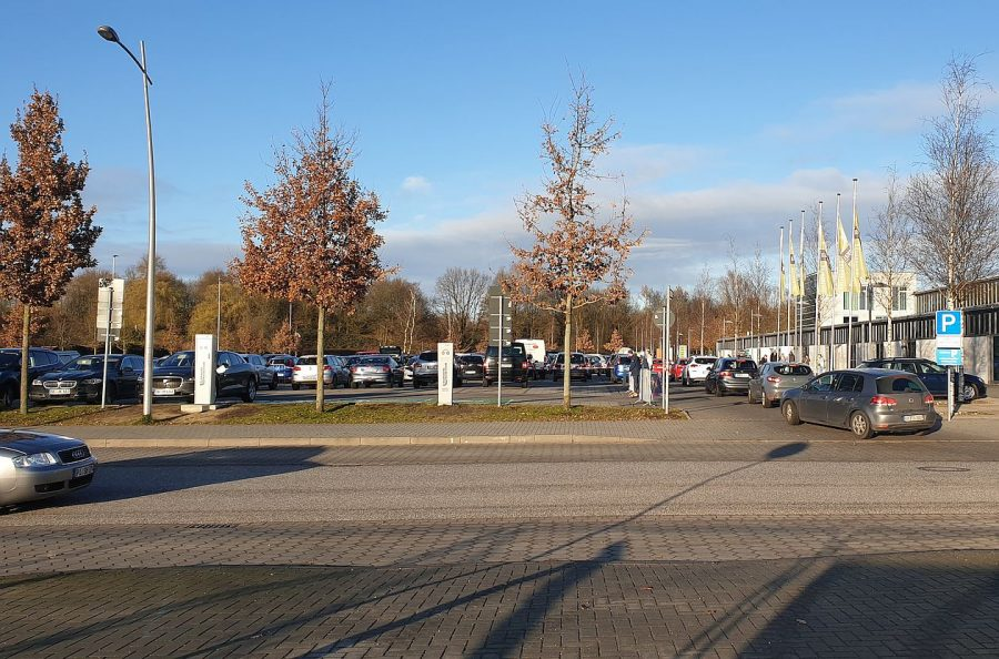 Bei Veranstaltungen stets überfüllt: Der Parkplatz vor dem Stadtpark